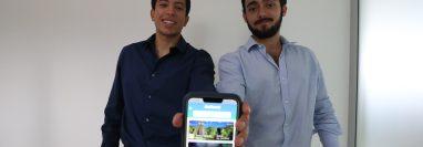Chrstian Mayorga y Santiago Suárez son los creadores de Expedition App. (Foto Prensa Libre: Raúl Juárez)