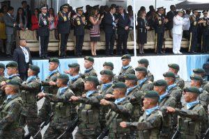 El desfile inició en el monumento a Juan Pablo II en la zona 13 y culminó en el Campo de Marte, zona 5. Foto Prensa Libre: Esbin García