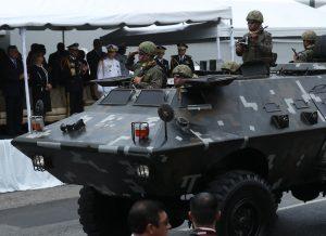 Durante el recorrido se pudo observar tanquetas que  utiliza el Ejército de Guatemala. Foto Prensa Libre: Esbin García