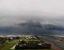 Nube captada en Puerto San José, Escuintla. (Foto Prensa Libre: Tomada de la página Meteorología GT. Crédito: Enrique Blanco).