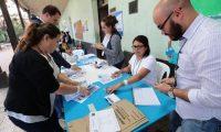 Momento en que mesas electorales empiezan conteo de votos en la Consulta Popular Guatemala 2018. (Foto: Hemeroteca PL)