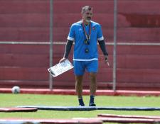 El argentino Ezequiel Barril, expreparador físico de Chivas de México, es la mejor contratación de Municipal para la temporada. (Foto Prensa Libre: Francisco Sánchez)