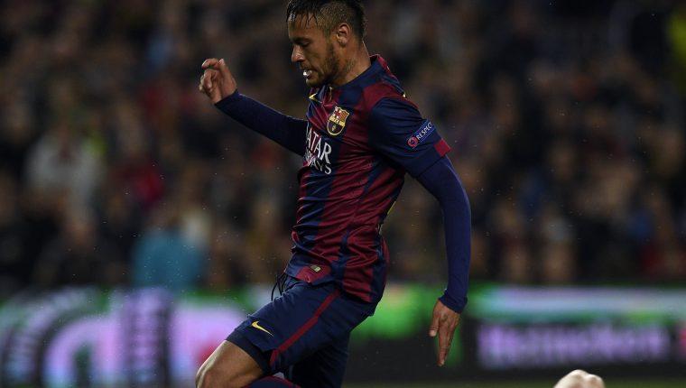 Neymar ha mostrado interés en regresar al Barcelona F.C., en medio de los difíciles días que pasa en la actualidad. (Foto Prensa Libre: AFP)