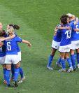 Jugadores de la Selección de Italia festejan después de haber derrotado a su similar de China. (Foto Prensa Libre: AFP).