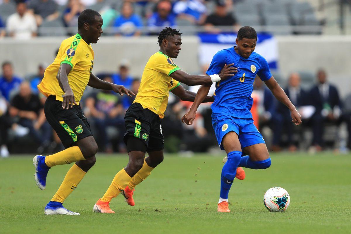 Jamaica sufre más de la cuenta contra Curazao, pero clasifica a cuartos de final