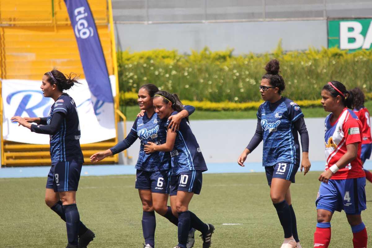 Unifut da el primer golpe en la final femenina de Guatemala