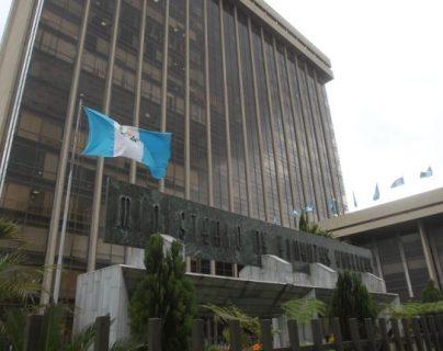 La cartera de Finanzas quedó de responder a algunas de las inquietudes de los diputados por escrito.(Foto Prensa Libre: Hemeroteca)