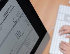 Le implementación de la factura electrónica en línea  (FEL) se hará en forma paulatina. (Foto, Prensa Libre: Hemeroteca PL).