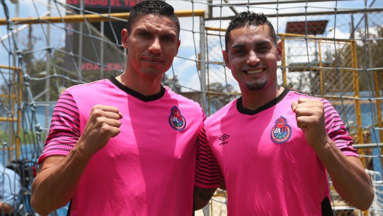 Carlos Gallardo y Edi Danilo Guerra llegan a los rojos con la ilusión de hacer un equipo más fuerte. (Foto Prensa Libre: Francisco Sánchez)