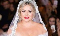 Chiquis Rivera, hija de la fallecida cantante Jenni Rivera se casó con  Lorenzo Méndez exvocalista de La Original Banda El Limón. Foto Prensa Libre, EFE.