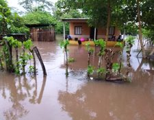 Vivienda de una de las comunidades afectadas por las lluvias en Suchitepéquez. (Foto Prensa Libre: Conred).