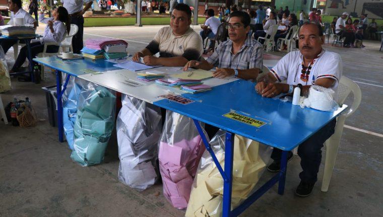 Los guatemaltecos están convocados a una segunda vuelta electoral para definir la presidencia en agosto y Fundesa insta a la población a participar. (Foto Prensa Libre: Hemeroteca)