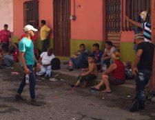 Pese al endurecimiento de las normas migratorias, miles siguen cruzando el país para llegar a México y entregarse a las autoridades de EE. UU. (Foto Prensa Libre: EFE)