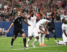 Andrés Guardado  celebra el segundo gol que le marcó ayer a Canadá, en el estadio de Denver, Colorado (Foto Prensa Libre: AFP)