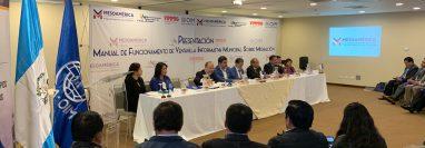 La Organización Internacional para las Migraciones presentó en Xela el manual de funcionamiento de las Ventanillas Informativas Municipales sobre Migración. (Foto Prensa Libre: Cortesía)
