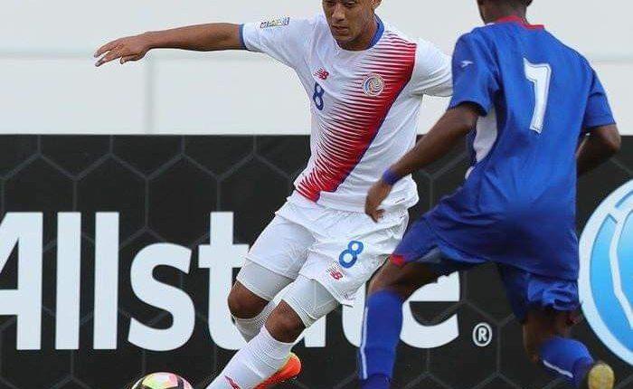 El futbolista de Costa Rica Jimmy Marín dejó la concentración y ocasionó molestias. (Foto Prensa Libre: Redes)