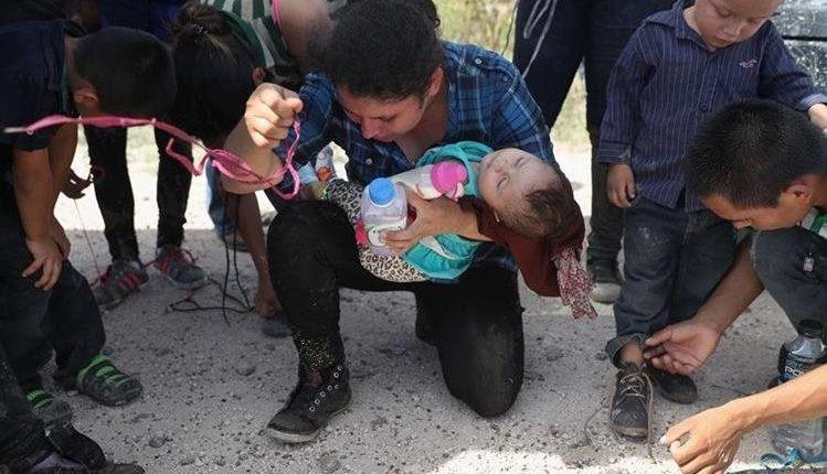 Familias enteras continúan llegando a Estados Unidos de manera ilegal. (Foto Prensa Libre: Hemeroteca PL)