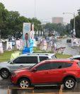 Propaganda de partidos políticos satura la Avenida Reforma desde la zona 4. (Foto Prensa Libre: Carlos Hernández Ovalle)