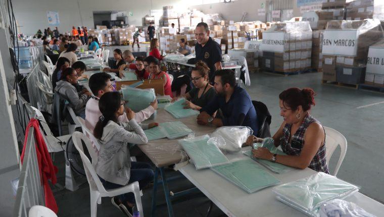 Conteo de papeletas durante las Eleciones Generales de 2019 (Foto Prensa Libre: Erick Avila)            05/06/2019