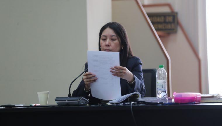 Jueza Erika Aifán dicta su resolución en el caso de Financiamiento a FCN Nación. (Foto Prensa Libre: Érick Ávila)