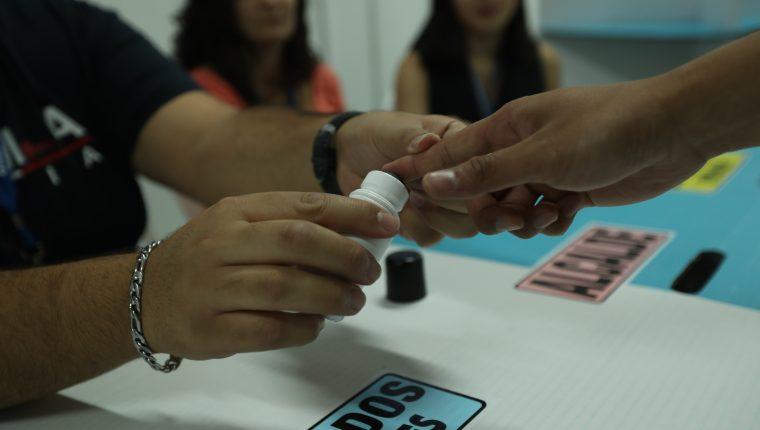 En las votaciones generales, el antivoto golpea con fuerza a la candidata de la UNE Sandra Torres, que supera al 50% entre quienes la conocen. (Foto Prensa Libre: Esbin García)