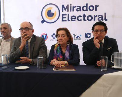 El actual proceso electoral está siendo monitoreado por instancias de observadores como Mirador Electoral, la misión de Observadores de la OEA, las misión de observadores de Cacif, voluntarios de la USAC y delegados de la PDH entre otras instancias. (Foto Prensa Libre: Esbin García)