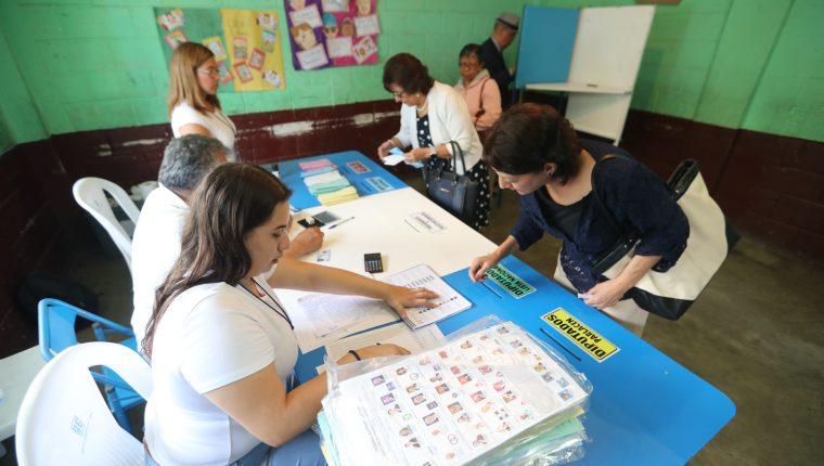 Falta el 12 por ciento de mesas para que se defina un ganador en Villa Nueva. (Foto Prensa Libre: Érick Ávila)