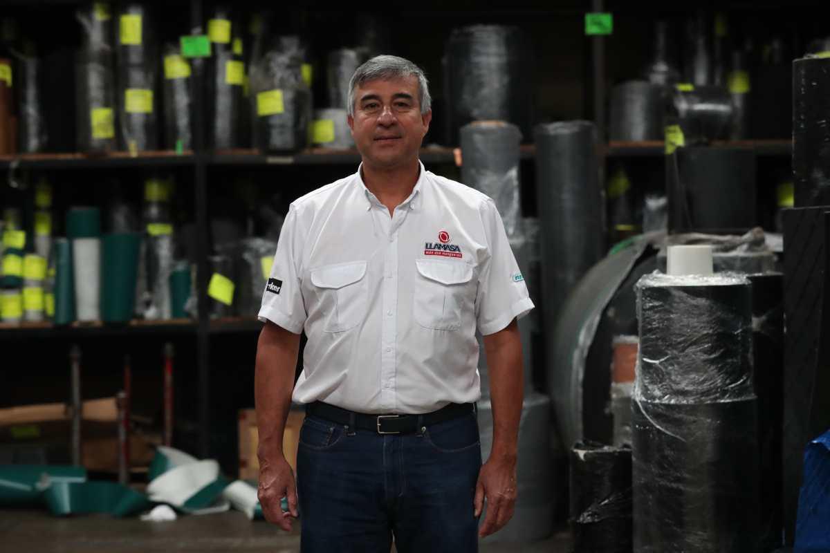 """""""Al inicio, yo era el único empleado"""" dice Édgar Montenegro, quien ahora dirige a 165 trabajadores"""