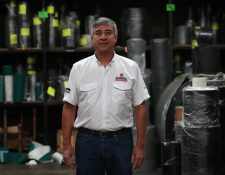 Édgar Montenegro, dirige la empresa familiar, Llamasa, que inició con su tío Marco Tulio Rivera. (Foto, Prensa Libre: Raúl Juárez).