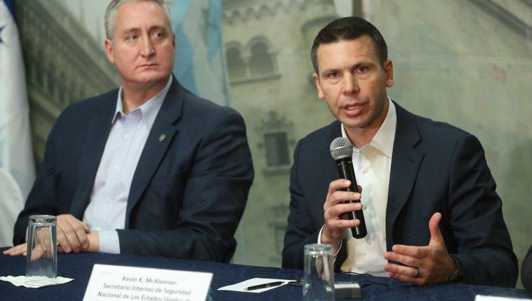 Kevin McAleenan, secretario de Seguridad Nacional de Estados Unidos, durante una reunión con ministros del Triángulo Norte el 26 de junio de 2019 en Guatemala. (Foto Prensa Libre: Hemeroteca PL)