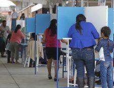 El próximo domingo se realizará la segunda vuelta presidencial, donde se definirá el futuro gobernante del país. (Foto Prensa Libre: Hemeroteca)