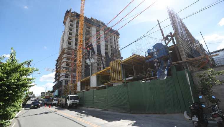 La actividad de construcción sobre todo en vivienda vertical es una de las actividades que durante el primer semestre del año, muestra un crecimiento.  (Foto Prensa Libre: Hemeroteca)