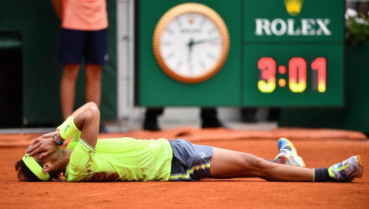 Rafael Nadal hace historia al ganar su triunfo numero 12 de Roland Garros. (Foto Prensa Libre: EFE)