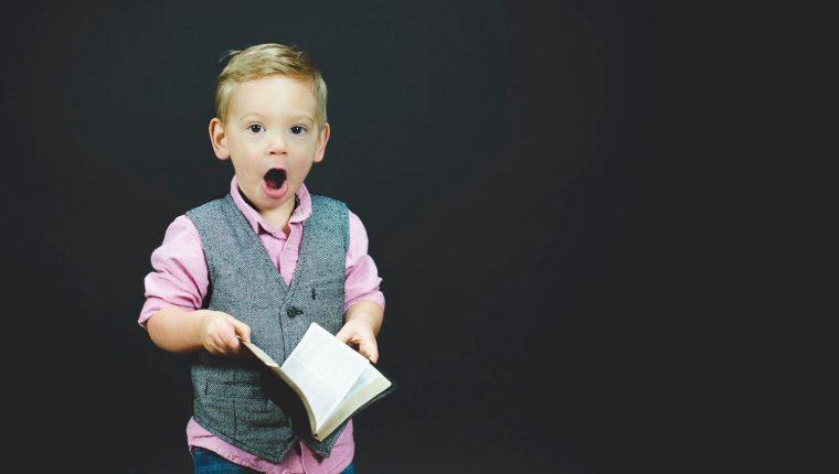 Estimular la concentración y el intercambio de conocimiento y alimentar la imaginación  son algunos de los beneficios de la lectura. (Foto Prensa Libre: Servicios)
