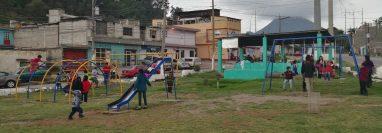 Los jóvenes modificaron de forma positiva la imagen del parque ubicado en Avenida Las Américas entre las zonas 11, 10 y 1. (Foto Prensa Libre: María Longo).