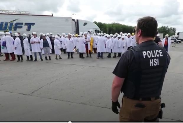 Trump amenaza con masivas deportaciones, lo que podría resultar en grandes redadas, como la ocurrida en Ohio enb 2018. (Foto: Hemeroteca PL)
