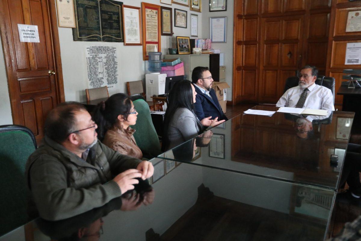 La Mesa Departamental de Turismo de Quetzaltenango solicita la pavimentación y reparación de las carreteras de la ciudad