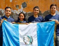 Estudiantes retaltecos viajarán a La Habana, Cuba, para participar en olimpiada de Física. (Foto Prensa Libre: Rolando Miranda)