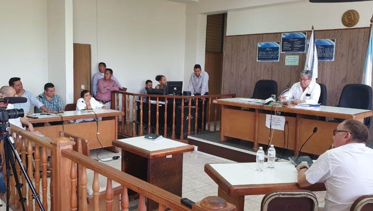 Tribunal donde se llevó a cabo la sentencia por la muerte de los tres universitarios en Izabal. (Foto Prensa Libre: Dony Stewart).