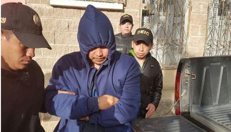 En el 2017, los integrantes de esa banda fueron capturados mediante varios allanamientos. (Foto Prensa Libre: Guatevisión)