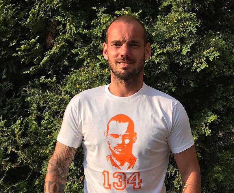 Detienen a Sneijder por causar daños en un coche bajo los efectos del alcohol