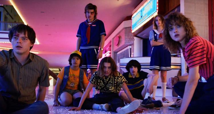 Eleven (Millie Bobbie Brown), Mike (Finn Wolfhard), Dustin (Gaten Matarazzo), Will (Noah Schapp) y Lucas (Caleb McLaughlin) regresan a la pantalla con más aventuras. (Foto Prensa Libre: Netflix)