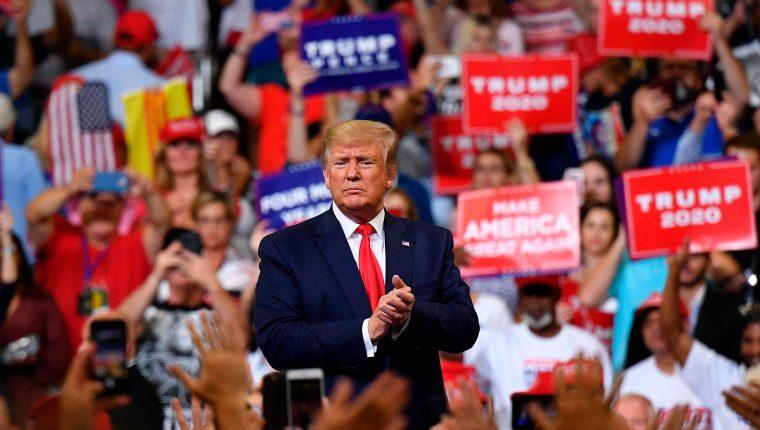 Trump atacó a los medios  y a los demócratas durante su anuncio por la reelección en Orlando, Florida. (Foto Prensa Libre: AFP)