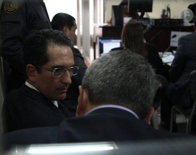 Juez dicta falta de mérito para exministro de Economía