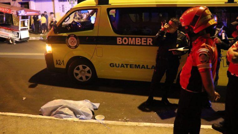 El cuerpo de la bebé estaba envuelta en una chumpa de cuero. (Foto: Bomberos Municipales)