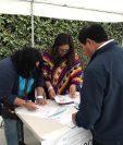 Guatemaltecos ejercen su voto en el extranjero por primera vez (Foto Prensa Libre: Marco López)