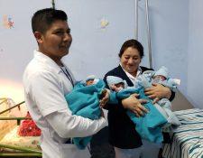 Los tres niños nacidos este miércoles en el Hospital de San Marcos. (Foto: Ministerio de Salud)