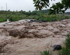 El río Samalá, en Retalhuleu, es monitoreado ante el riesgo que representa. (Foto: Conred)