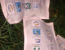 Las papeletas falsas aparecieron en un terreno baldío de San Pedro Ayampuc y se han divulgado por redes sociales.