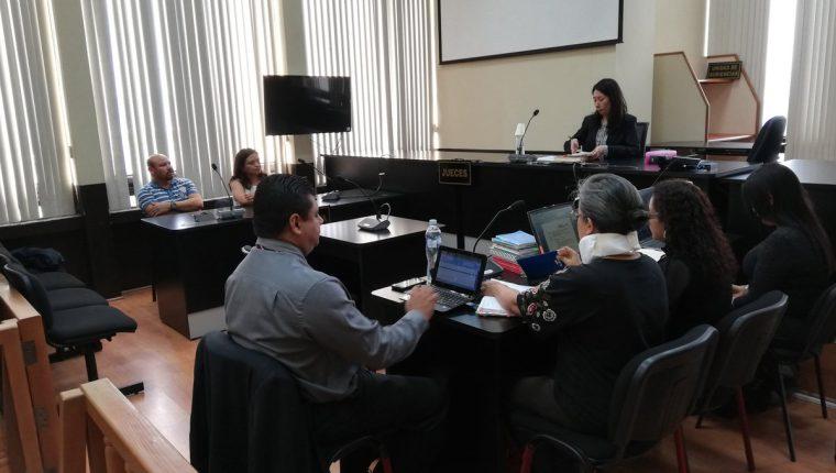 La jueza Aifán procesó a la entidad la entidad Galente Trading Limited cuyo mandatario es Agustín Leonidas Castro, al caso Fénix. (Foto Prensa Libre: Kenneth Monzón)